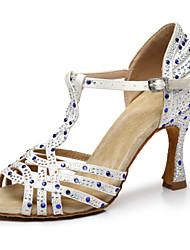 """Недорогие -Жен. Танцевальная обувь Сатин Обувь для латины Crystal / Rhinestone На каблуках Каблук """"Клеш"""" Белый / Розовый"""