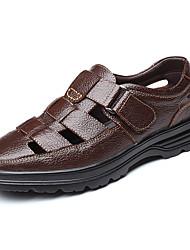 cheap -Men's Comfort Shoes Cowhide Summer / Spring & Summer Classic / Vintage Sandals Breathable Black / Brown
