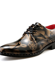 abordables -Homme Chaussures Formal Cuir / Cuir Verni Printemps été / Automne hiver Business / Simple Oxfords Golf Shoes Chaud Jaune / Rouge / Mariage / Soirée & Evénement