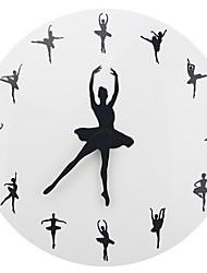 Недорогие -Современный современный пластик Круглый В помещении Батарея Украшение Настенные часы Цифровой Пластик Да