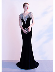 cheap -Mermaid / Trumpet V Neck Court Train Spandex / Tulle Sexy / Celebrity Style Formal Evening Dress with Beading 2020