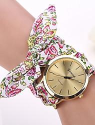 Недорогие -Жен. Часы-браслет Наручные часы Кварцевый Белый / Красный Повседневные часы Дамы Цветы Мода Один год Срок службы батареи / Jinli 377