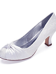 cheap -Women's Wedding Shoes Cuban Heel Round Toe Satin Flower Lace / Satin Classic / Vintage Spring & Summer / Fall & Winter White / Ivory / Party & Evening