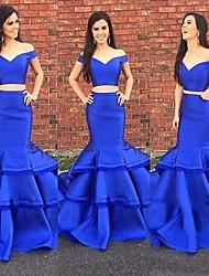 cheap -Mermaid / Trumpet Off Shoulder Floor Length Satin Two Piece / Elegant Formal Evening Dress with Cascading Ruffles 2020