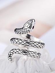 Недорогие -Король кобра регулируемое кольцо из сплава меди материал 30% инкрустированные серебром красные кольца из циркона мода модные женские украшения подарок на день рождения