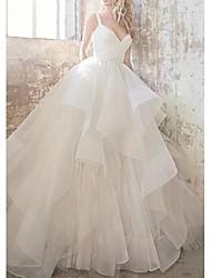abordables -Robe de Soirée Coeur Traîne Tribunal Organza / Tulle Bretelle Fine Simple Joli Dos Robes de mariée sur mesure avec Volants en cascade 2020