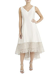 cheap -A-Line V Neck Asymmetrical Satin Sleeveless Plus Size Mother of the Bride Dress with Lace 2020
