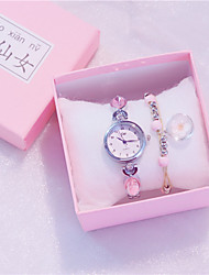 cheap -Women's Quartz Watches New Arrival Fashion Silver Gold Alloy Quartz Golden+White White+Silver Gold Pink Diamond Chronograph New Design 2pcs Analog