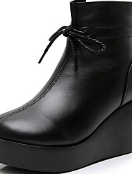 cheap -Women's Boots Wedge Heel Round Toe Nappa Leather Booties / Ankle Boots Classic / Vintage Winter / Fall & Winter Black / White