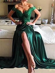 cheap -A-Line Elegant Green Prom Formal Evening Dress Off Shoulder Short Sleeve Sweep / Brush Train Lace Satin with Split Appliques 2020