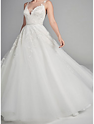 cheap -Ball Gown Wedding Dresses V Neck Court Train Lace Tulle Spaghetti Strap with Lace Draping Appliques 2020
