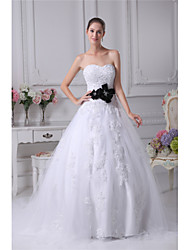 cheap -Ball Gown Wedding Dresses Sweetheart Neckline Chapel Train Lace Satin Tulle Strapless with Sashes / Ribbons Bow(s) Beading 2021