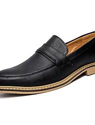 baratos -Homens Sapatos formais Couro de Porco Primavera Verão Mocassins e Slip-Ons Preto / Marron / Khaki