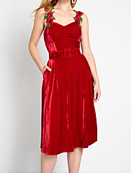 cheap -A-Line Elegant Holiday Cocktail Party Dress Square Neck Sleeveless Tea Length Velvet with Appliques 2020
