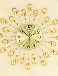 Недорогие -модный золотой современный / современный металлический новинка для дома / вне помещения с батарейным питанием настенные часы