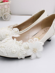cheap -Women's Wedding Shoes Low Heel Closed Toe Satin Flower PU / Elastic Fabric Spring &  Fall White / Party & Evening