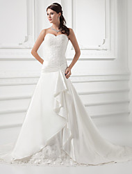 cheap -A-Line Wedding Dresses Sweetheart Neckline Chapel Train Lace Satin Strapless with Ruched Beading Appliques 2020