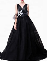 cheap -A-Line Elegant Prom Formal Evening Dress Plunging Neck Sleeveless Sweep / Brush Train Polyester with Pleats Appliques 2020