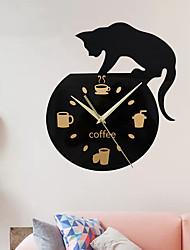 Недорогие -Молчаливый мультфильм настенные часы милый вьющийся кот для питья кофейные часы настенные украшения чашка кофейные часы гостиная декор дома