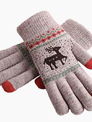Недорогие -Перчатки для бега / Зимние Полный палец Жен. Сохраняет тепло / Сенсорный экран / Легкость Бег / Пешеходный туризм / Авто / вело Хлопок / полиэфир / Зима / Противозаносный