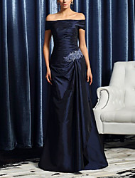 cheap -A-Line Off Shoulder Sweep / Brush Train Satin Short Sleeve Elegant & Luxurious Mother of the Bride Dress with Crystal Brooch / Ruching 2020