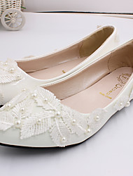 cheap -Women's Wedding Shoes Flat Heel Closed Toe Lace / PU Sweet Spring &  Fall White / Party & Evening