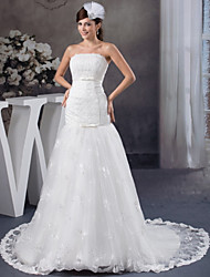 cheap -Mermaid / Trumpet Strapless Court Train Lace / Satin Strapless Wedding Dresses with Lace / Sashes / Ribbons / Bow(s) 2020