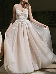 cheap -A-Line V Neck Sweep / Brush Train Lace / Tulle Spaghetti Strap Boho Plus Size Wedding Dresses with Lace Insert 2020