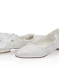 cheap -Women's Wedding Shoes Low Heel Closed Toe Lace / Satin Sweet Spring & Summer / Fall & Winter Ivory