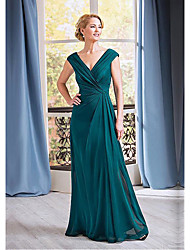 cheap -A-Line Plunging Neck Floor Length Chiffon Sleeveless Elegant Mother of the Bride Dress with Ruching 2020
