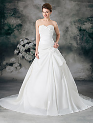 cheap -A-Line Sweetheart Neckline Court Train Satin / Taffeta Strapless Wedding Dresses with Ruched / Side-Draped 2020