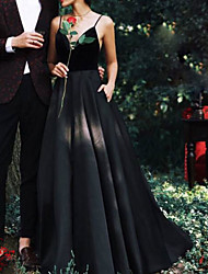 cheap -A-Line V Neck Floor Length Lace Spaghetti Strap Formal Black Wedding Dresses with Lace Insert 2020