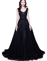 cheap -A-Line V Neck Court Train Lace / Tulle Regular Straps Black Wedding Dresses with Appliques 2020