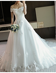 cheap -A-Line Off Shoulder Court Train Lace / Tulle Cap Sleeve Casual Plus Size Wedding Dresses with Lace Insert 2020