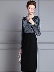 cheap -Sheath / Column V Neck Knee Length Velvet 3/4 Length Sleeve Plus Size Mother of the Bride Dress with Sequin 2020