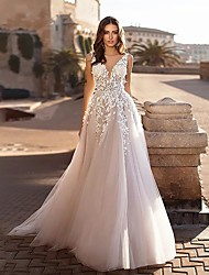 cheap -A-Line V Neck Sweep / Brush Train Lace Spaghetti Strap Country / Boho Wedding Dresses with 2020