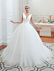 cheap -A-Line V Neck Court Train Tulle Spaghetti Strap Formal / Romantic / Casual Wedding Dresses with 2020