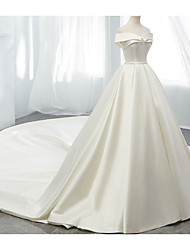 cheap -A-Line Off Shoulder Court Train Chiffon Strapless Formal Plus Size Wedding Dresses with Draping / Lace Insert 2020