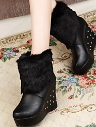 cheap -Women's Boots Wedge Heel Round Toe PU Booties / Ankle Boots Winter Black / White