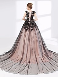 cheap -Ball Gown V Neck Court Train Lace / Tulle Cap Sleeve Sexy Plus Size / Black / Modern Wedding Dresses with Lace / Appliques 2020