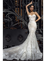 cheap -Mermaid / Trumpet Strapless Court Train Lace Strapless Formal / Romantic / Vintage Wedding Dresses with 2020