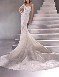 cheap -Mermaid / Trumpet Sweetheart Neckline Sweep / Brush Train Lace Sleeveless Sexy Plus Size Wedding Dresses with Lace 2020
