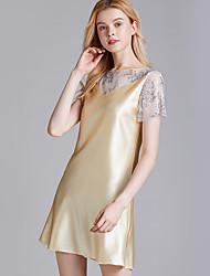 Недорогие -Нормальная Полиэфир Халаты Сексуальные платья Вышивка Свадьба Вышивка бисером в виде цветов Пижамы