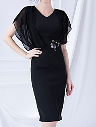 cheap -Sheath / Column V Neck Knee Length Polyester Short Sleeve Elegant Mother of the Bride Dress with Beading 2020