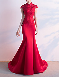 cheap -Mermaid / Trumpet Elegant Red Party Wear Formal Evening Dress High Neck Short Sleeve Sweep / Brush Train Satin with Appliques 2020