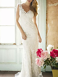 cheap -Sheath / Column Wedding Dresses V Neck Sweep / Brush Train Lace Polyester Sleeveless Country Plus Size with Draping Appliques 2020