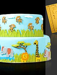 cheap -DIY Animal Cartoon Fondant Chocolate Silicone Mold 1pcs