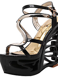 cheap -Women's Sandals Heel Sandals Summer Sculptural Heel Round Toe Classic Party & Evening Buckle Solid Colored PU White / Black