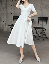 cheap -A-Line Minimalist White Graduation Cocktail Party Dress V Neck Short Sleeve Knee Length Satin with Pleats 2020