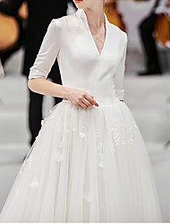 cheap -Ball Gown Wedding Dresses V Neck Watteau Train Lace Satin Tulle Half Sleeve Formal Simple Plus Size with Lace Insert Appliques 2020